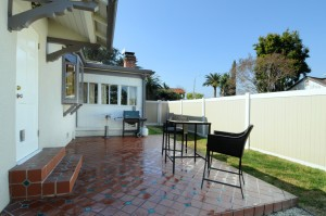 web_back patio-yard 2