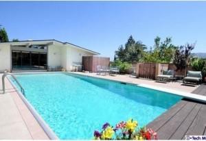 la crescenta real estate listings with pools