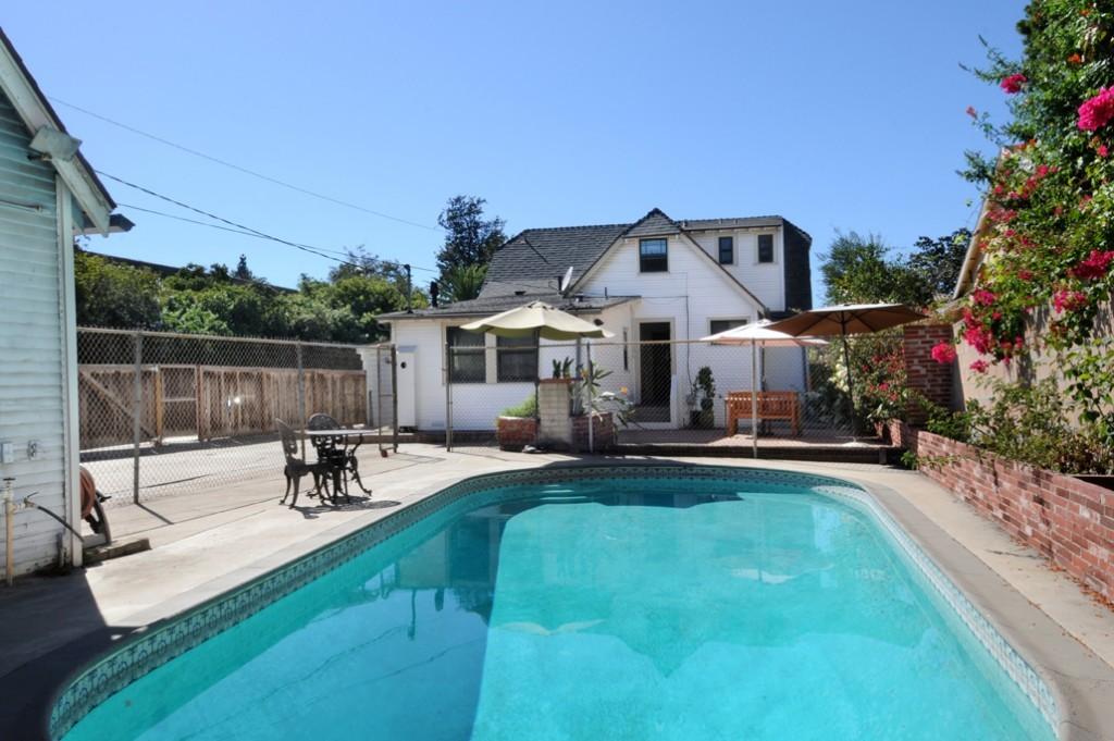 web_backyard-pool area 1